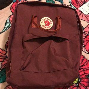 Fjalraven Kanken deep maroon large backpack